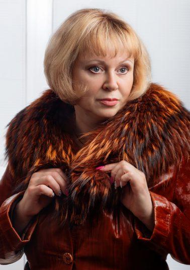 Портрет красивой женщины с модной прической работы фотографа Анатолия Тимофеева