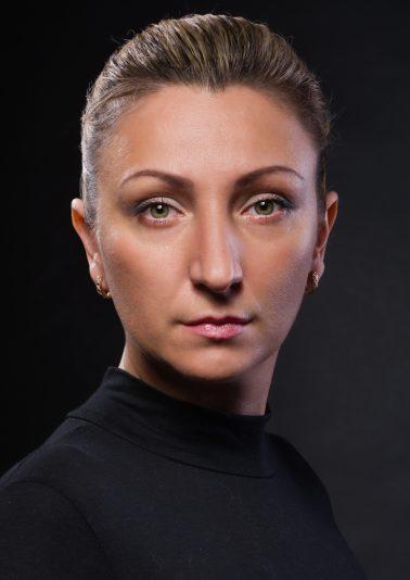 Портрет женщины в черном работы фотографа Анатолия Тимофеева