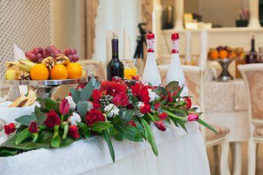 Стол жениха и невесты фотограф Анатолий Тимофеев