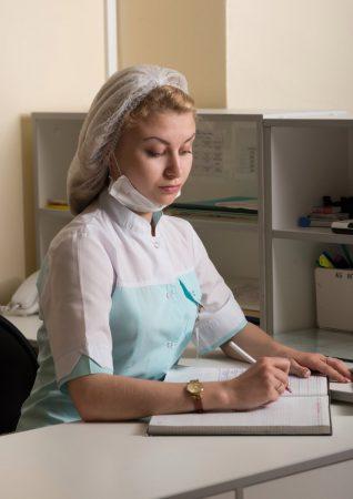 Портрет медицинской сестры в кабинете работы фотографа Анатолия Тимофеева