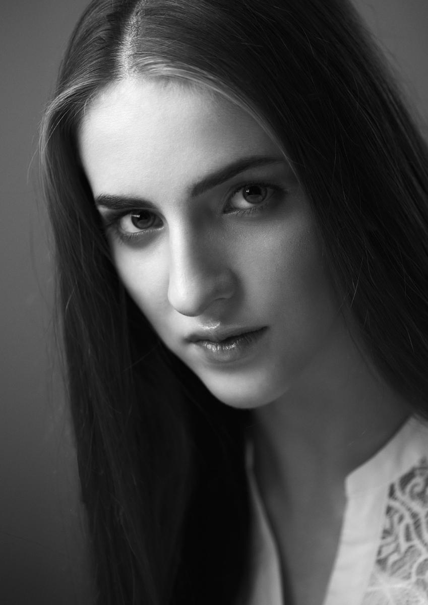 Женский портрет работы фотографа Анатолия Тимофеева
